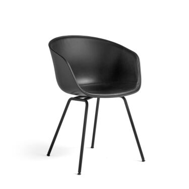 HAY Stol About A Chair, AAC 26 Polstret front, Farge: Soft Black, Tekstil: Silk Leather Black, Understell: Sort